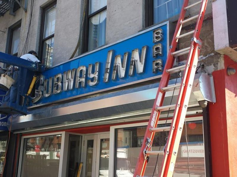 The Famous Manhattan Dive Bar Subway Inn Gets Back On Track