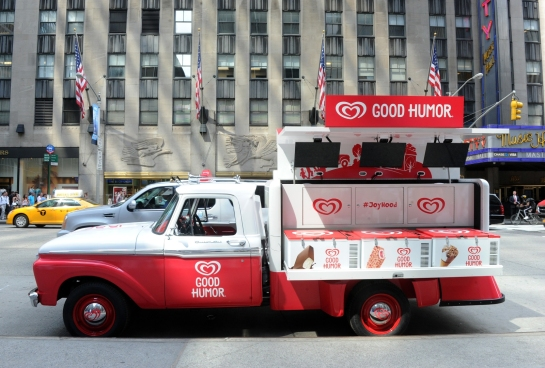 Good Humor® Kicks Off The Summer In NYC With Jane Krakowski As Honorary Good Humor® Woman