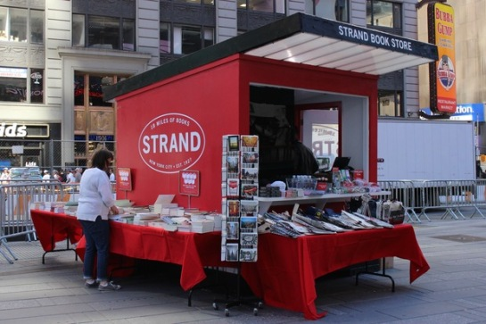 Pop-Up Strand Bookstore Open 7 Days a Week in Times Square