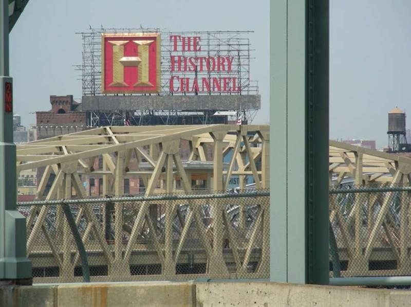iHeartRadio Taking Over A Landmark Billboard To Bronx Residents