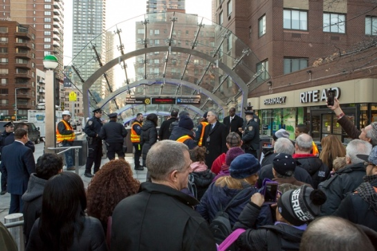 new-yorkers-get-peek-at-the-new-second-avenue-subway-station